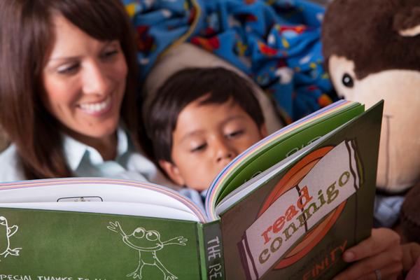 ReadConmigo promotes bilingual literacy in the home.