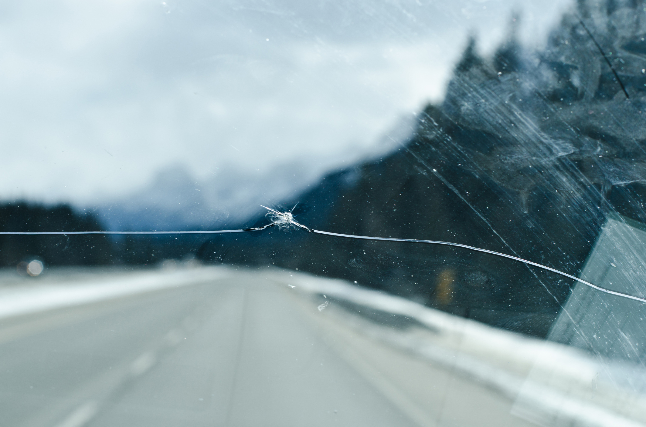 windshield crack